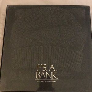 NWT Jos A Bank Hat & Scarf Set